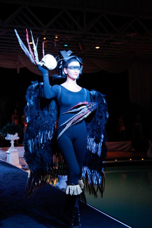 <p>Headliners Salon's vulture look.</p>