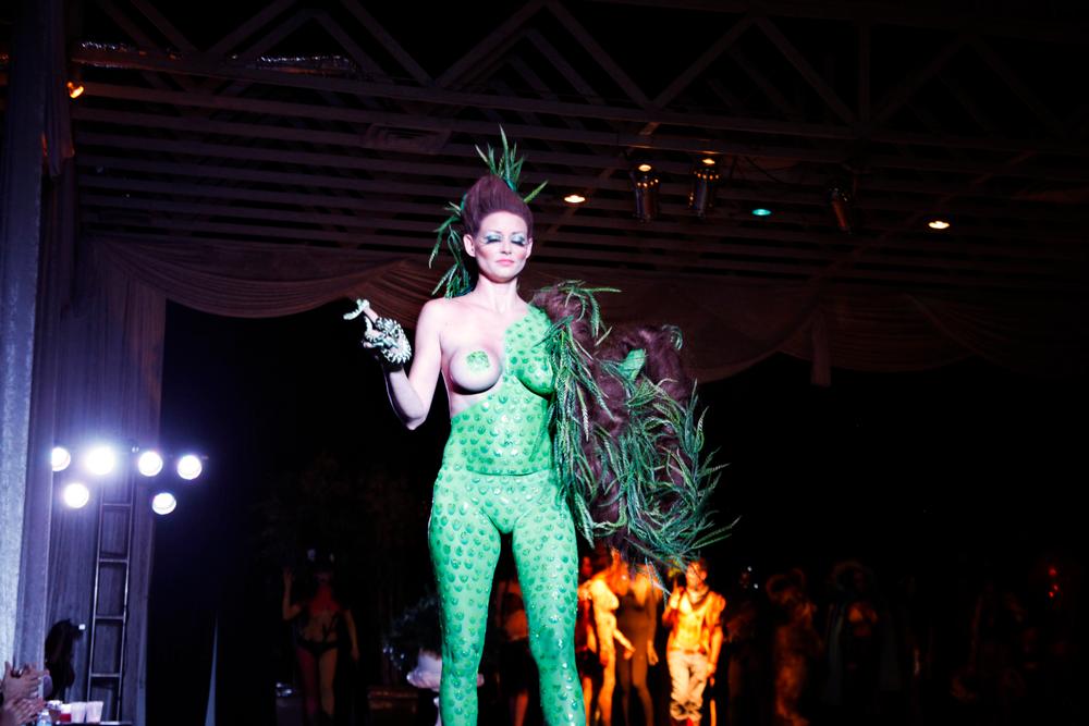 <p>Headliners Salon's snake-inspired look.</p>