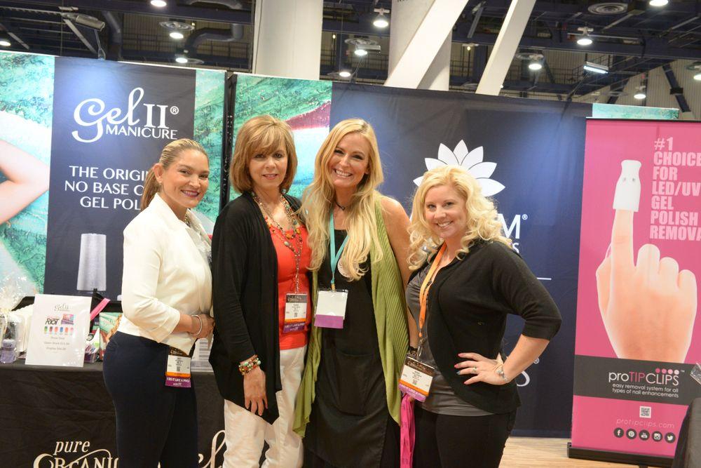<p>Gel II's Ancy Mendolla, Sandra Lombardi, Kelly Vandahl, and Rosie Johnson&nbsp;</p>