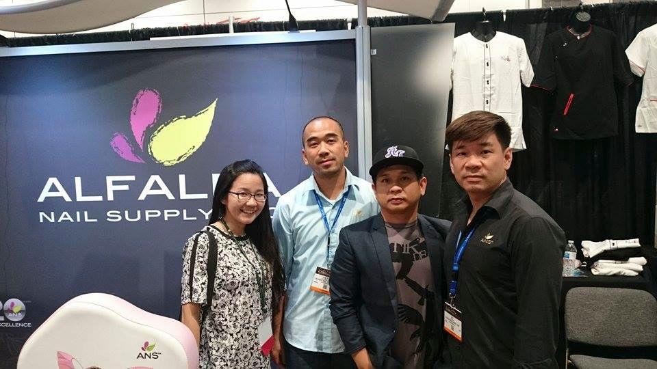<p>VietSALON managing editor Anh Tran with Alfalfa Nail Supply's Hien Ton, Kevin Nguyen, and CEO/president Dat Ton</p>