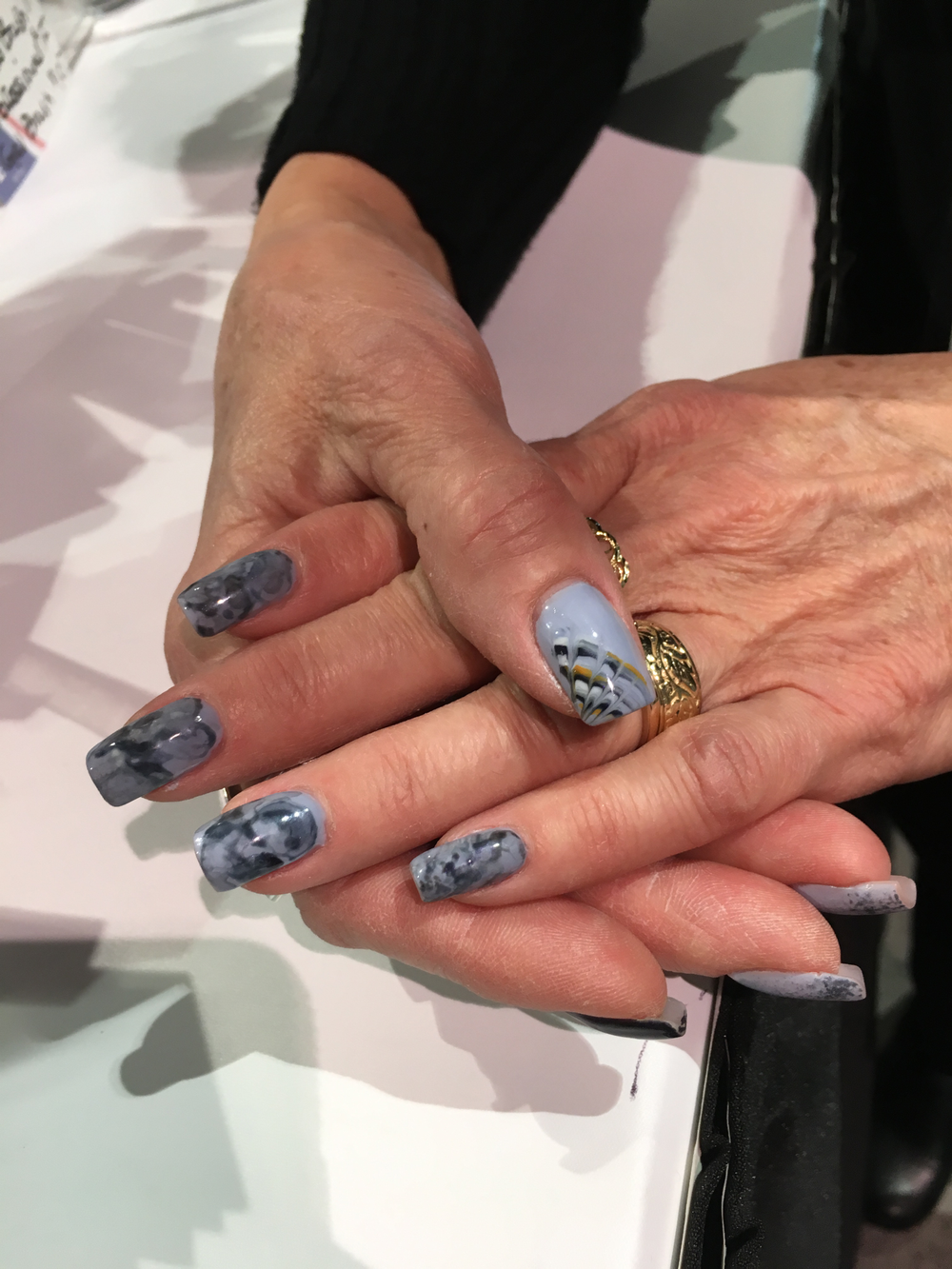 <p>Nails by IBD's Nancy Strohm&nbsp;</p>