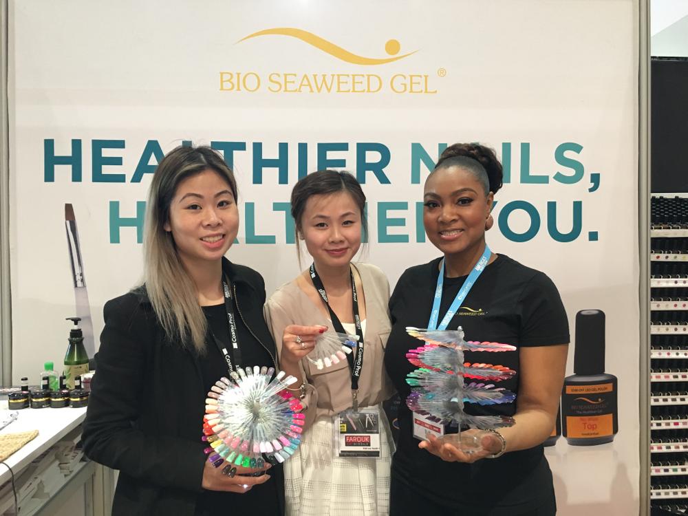 <p>Bio Seaweed Gel's Annie Lam, Hellen Luu, and Sonya Wilburn&nbsp;</p>