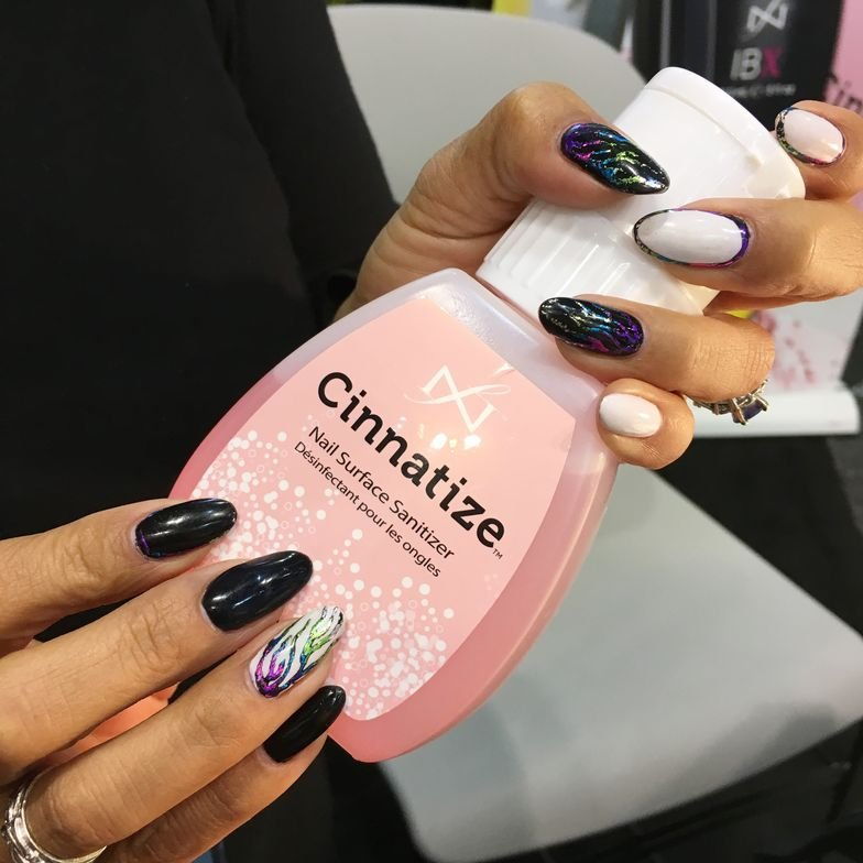 <p>Nails by Famous Name's Lisa Wong&nbsp;</p>
