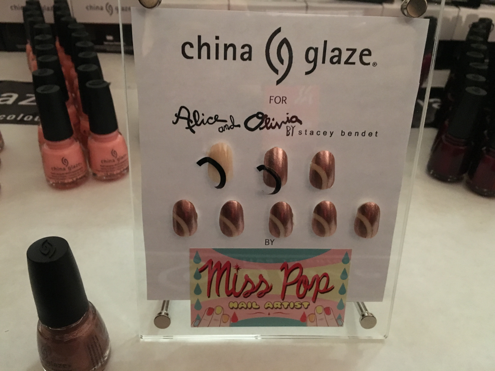 <p>An easy how-to for Alice + Olivia nails by Miss Pop for China Glaze</p>