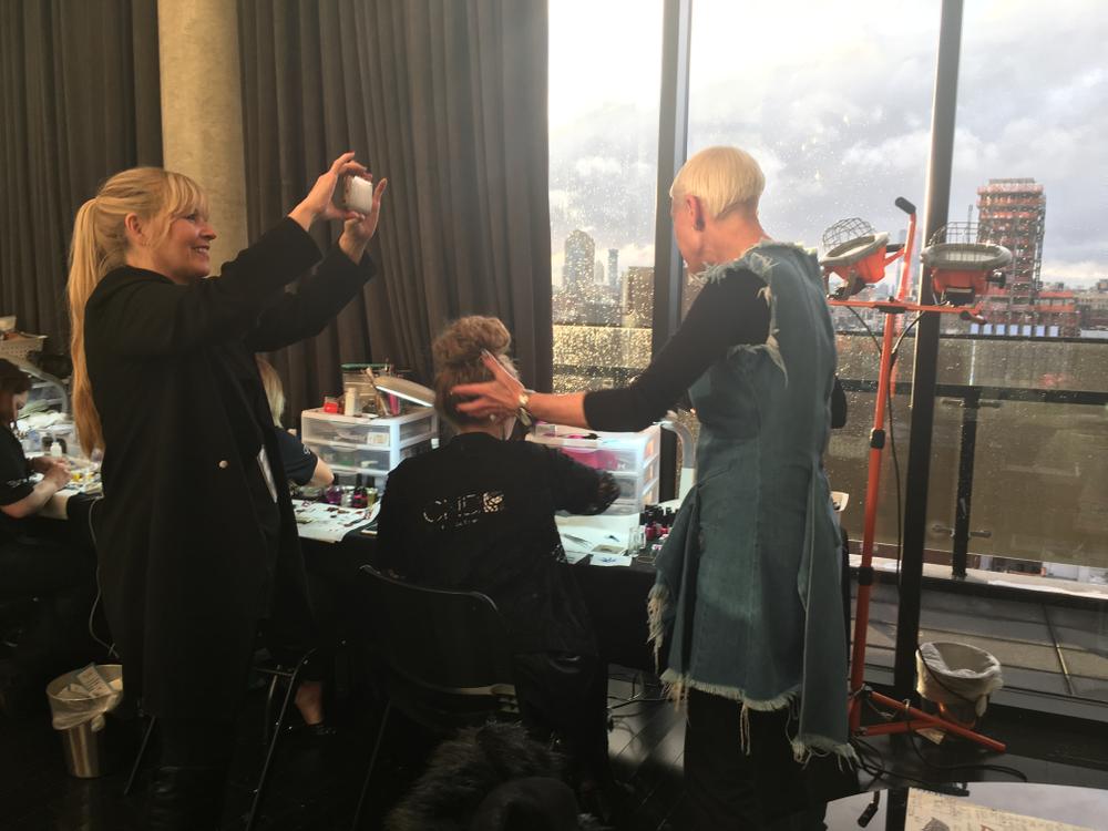 <p>Modern Salon's Maggie Mulhern interviewing Jan Arnold</p>