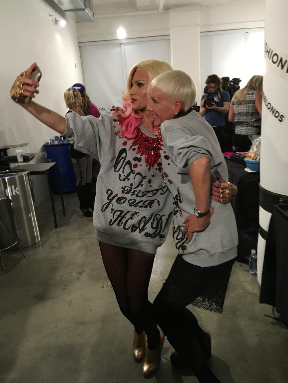 <p>Backstage selfies</p>