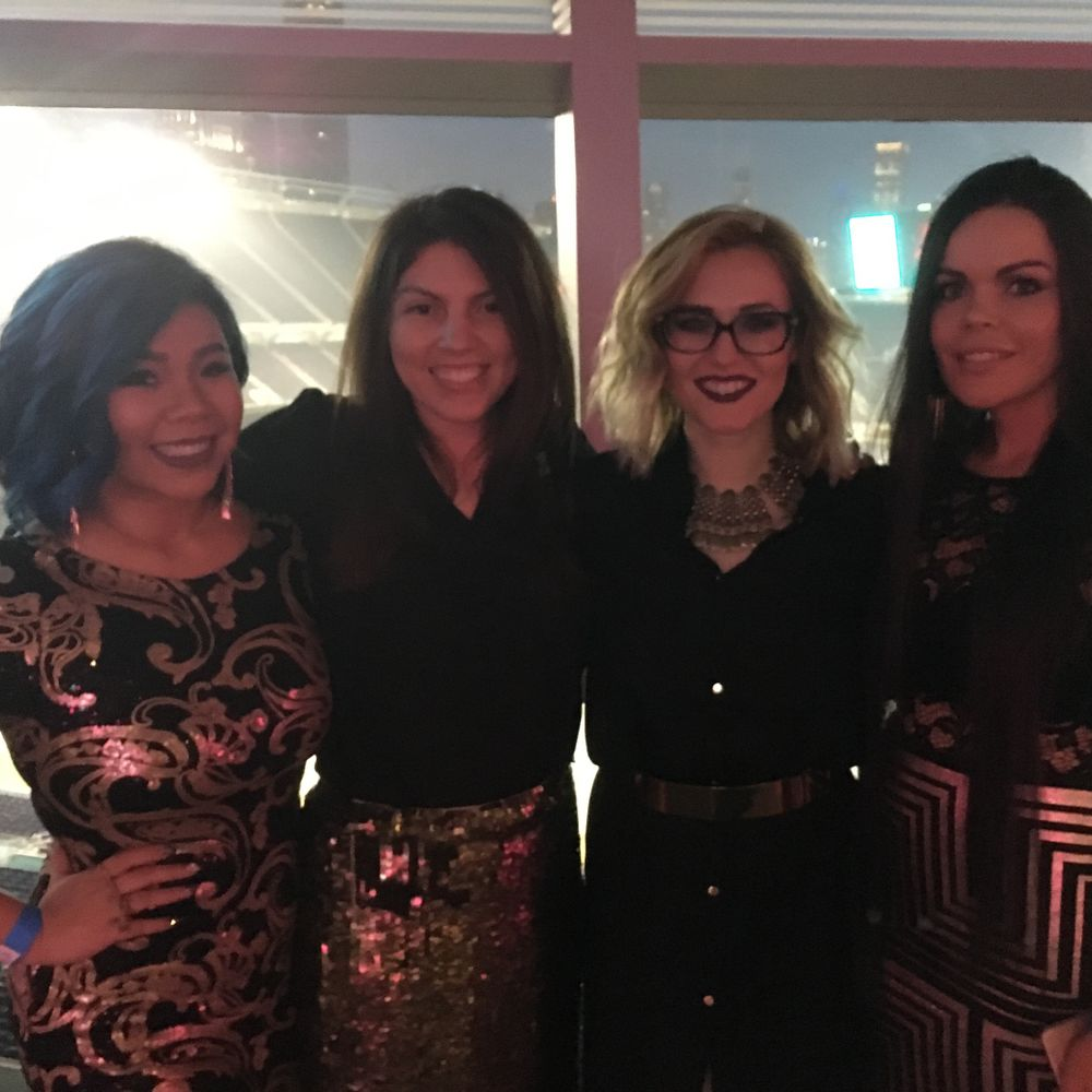 <p>NAILS' senior editor Beth Livesay (second from left) and the Top 3 finalists</p>