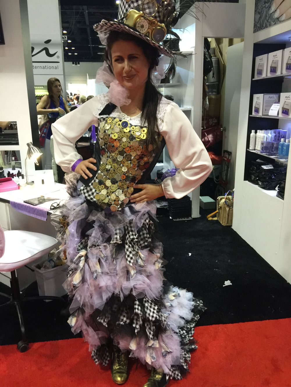 <p>This custom dress, worn by Kristina Bolinovska of Ukraine was topped by a hat that was decked out steampunk style.&nbsp;</p>