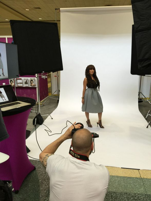 "<p>CosmoProf was looking for ""shining stars"" on the show floor and then capturing them with a professional photo shoot in the show lobby.&nbsp;</p>"