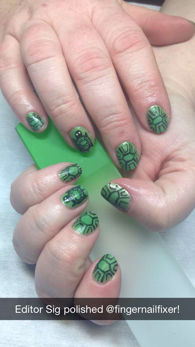 <p>NAILS associate editor polished Holly Schippers&nbsp;</p>