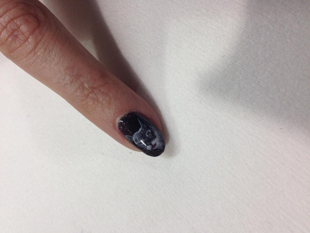 <p>Cat nail art by Robert Nguyen</p>