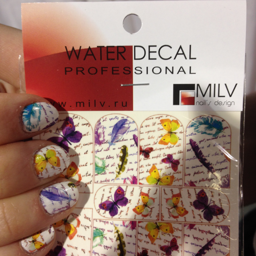 <p>Water slide nail art decals by MILV Nail's Design</p>