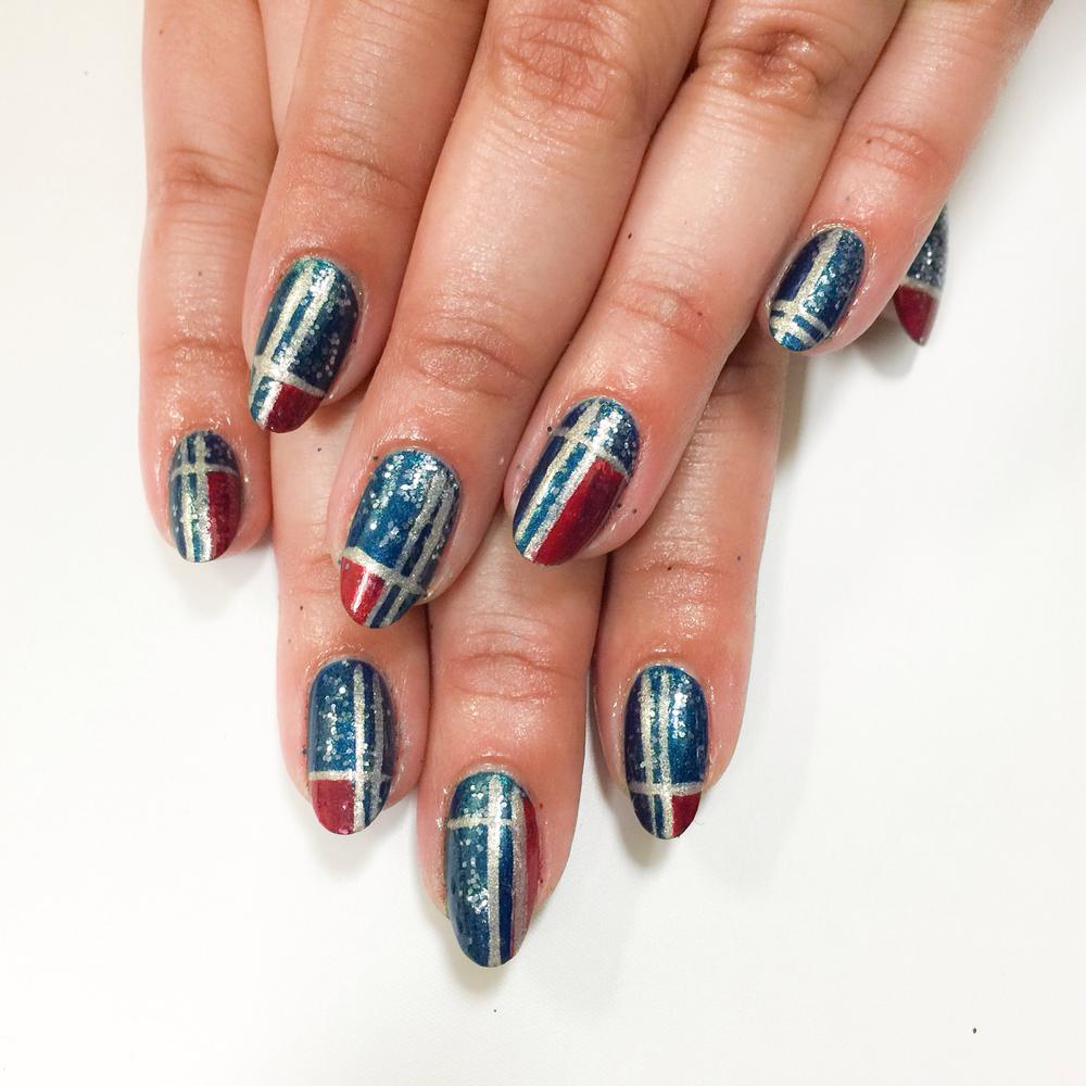 <p>Plaid nail art by CND's John Nguyen for editor Sigourney Nu&ntilde;ez&nbsp;</p>