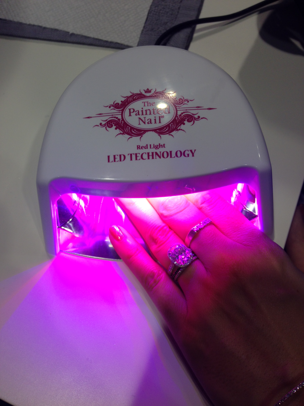 <p>The Painted Nail introduces right light technology for its new LED lamp.&nbsp;</p>
