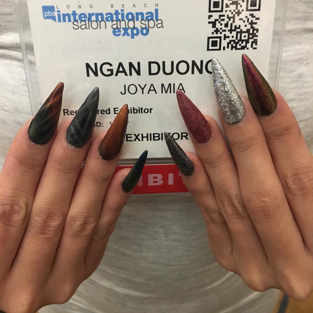 """<p>Ngan Duong <a href=""""https://www.instagram.com/joyamiaofficial/"""">@joyamiaofficial</a></p>"""