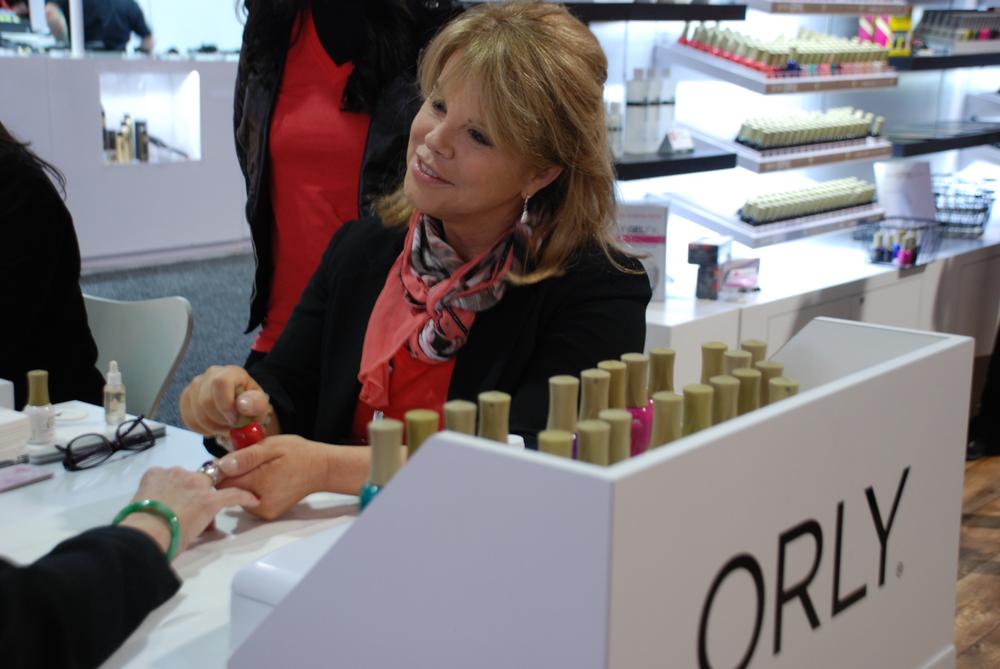 <p>Elsbeth Schuetz demoing at Orly</p>