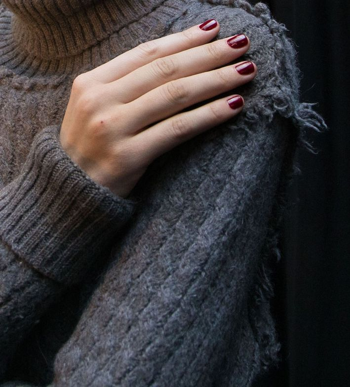 <p>Nails complemented clothing that juxtaposed rustic and tailored fabrics.</p>