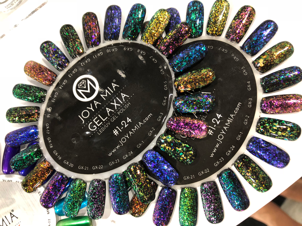 <p>Joya Mia's Gelaxia gives off cool glittery effects</p>