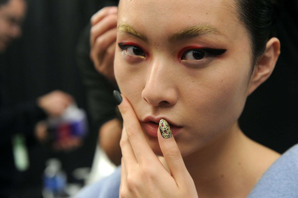 <p>Gina Edwards used imPRESS Gel Manicure in Text Appeal then buffed out the shine for a matte finish at KISS for Bibhu Mohapatra.</p>