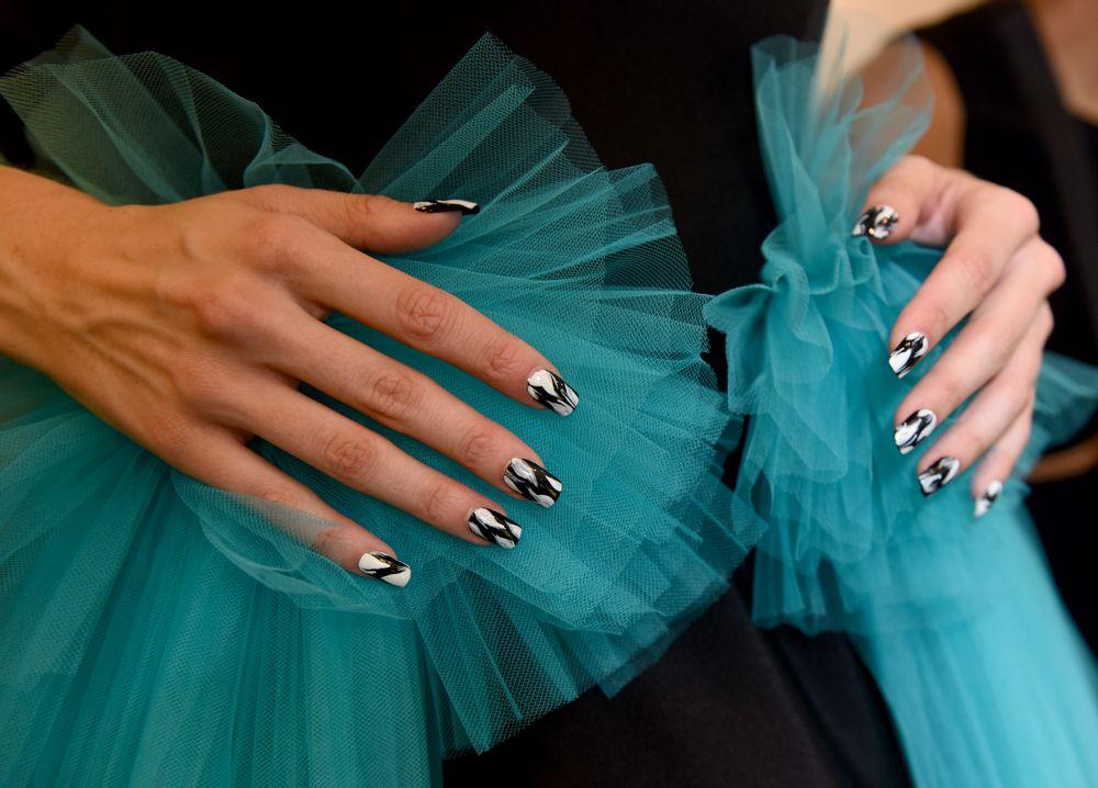 <p>KISS for Christian Siriano. Lead nail artist: Gina Edwards.</p>