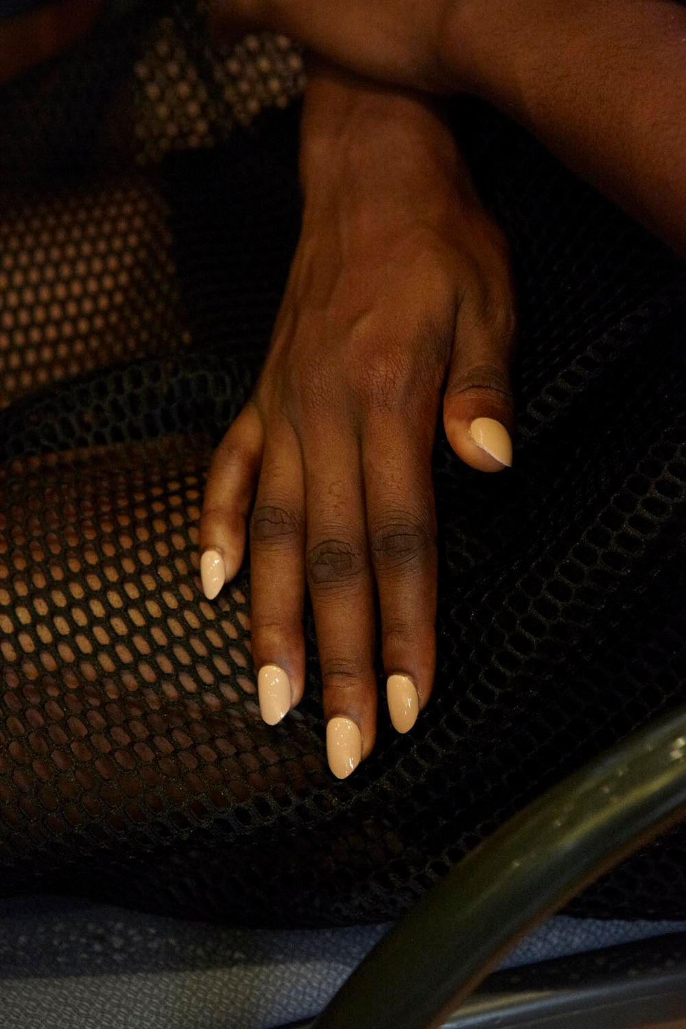 <p>Edwards filed nails to a pointed almond shape, bridging the gap between classic and modern without being overly feminine.&nbsp;Photo courtesy of imPRESSmanicure.&nbsp;&nbsp;</p>