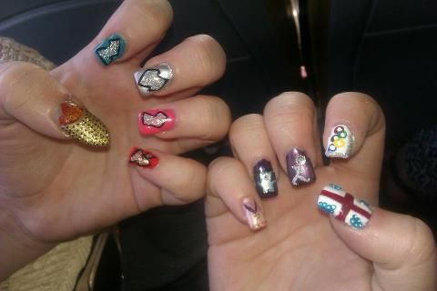 <p>Lauren Sinclair is a nail tech in Chesterfield, United Kingdom.</p>