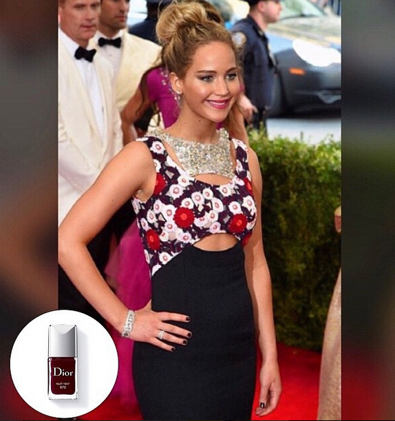 "<p>Jenna Hipp completed Jennifer Lawrence's head to toe Dior look with Nuit 1947. Image via <a href=""https://instagram.com/jennahipp/"">@jennahipp </a></p>"
