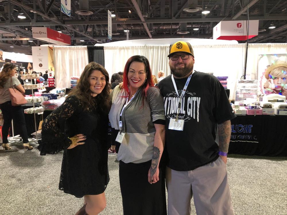 <p>NAILS executive editor Beth Livesay, NAILSNTNA S.4 and 5 contestant Liza Waitzman, and husband Obediah</p>