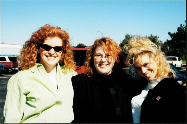 <p>DiDi Merriman (right) of Peel's Salon Services brought Jan Oates' Nails or Not  Salon in Omaha, Neb., to my attention. I was in town for the Peel's Fall  Show. LaCinda Headings (center) met us for dinner.</p>