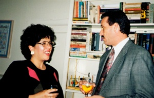 <p>1996. Helen with Backscratchers' president, Mike Megna</p>