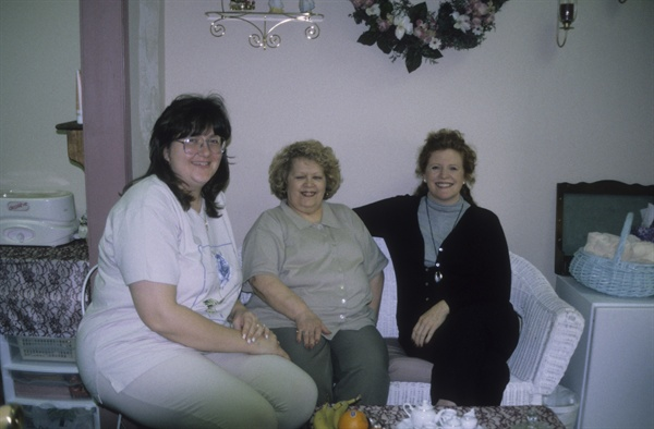 <p>They rolled out the red carpet at Angelic Nails, part of The Total Image  salon. Here, I relax with (from left) Ruth Windsor and Georgie Bryan.</p>