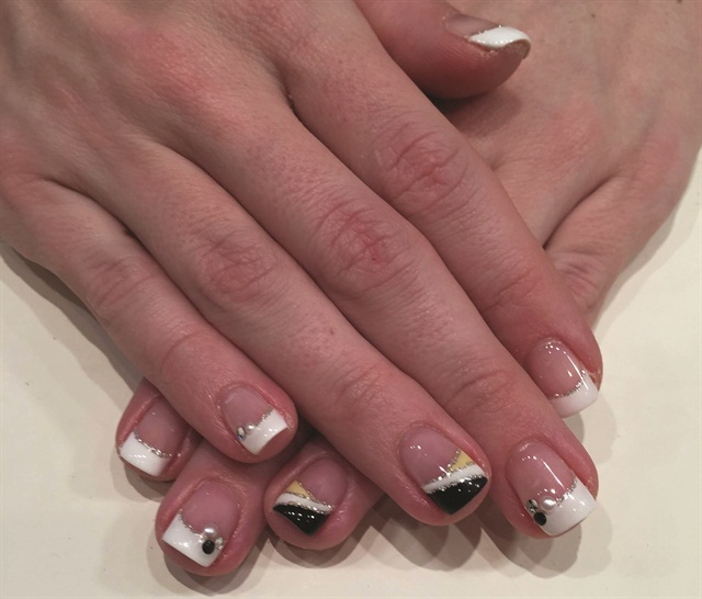 Client Lauren Jubelt says the gel pod method she's observed at Japan salon chain Speed Nail makes it easier to create nail art than techniques she's seen in the United States.