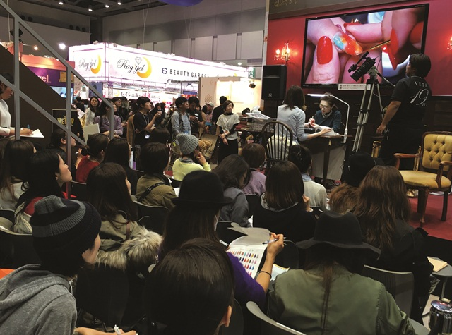 At the Tokyo Nail Forum, Vetro focused a video camera on its nail demos so that techs could watch the demos from farther away.