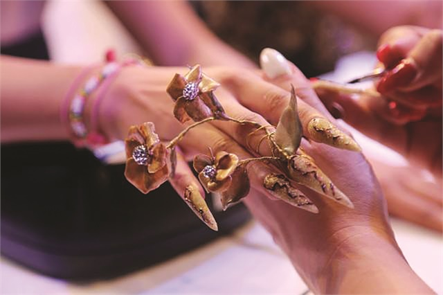 <p>This fantasy nail art design was created at Professional Beauty Mumbai.</p>