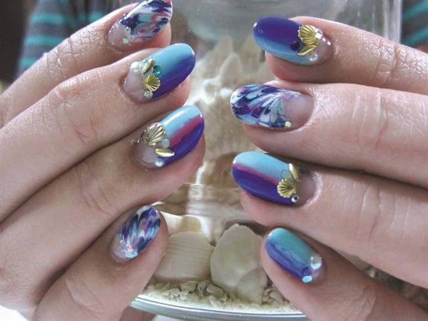<p>Nails by Hitomi Takizawa, Tokyo</p>