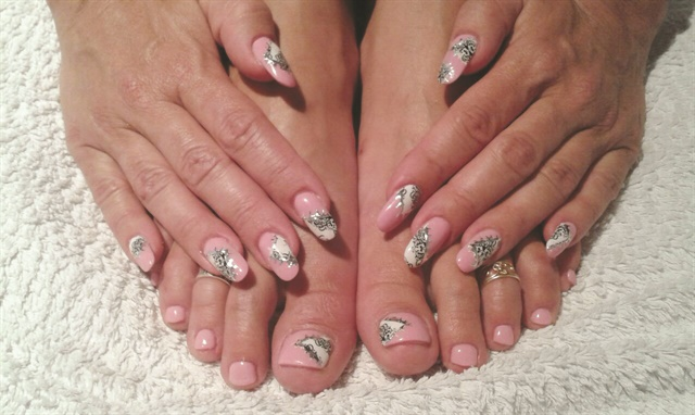 <p />Unlike many nail-focused salons in Germany that only offer services on hands, Nagelatelier Exquisit also offers feet-related services such as pedicures.