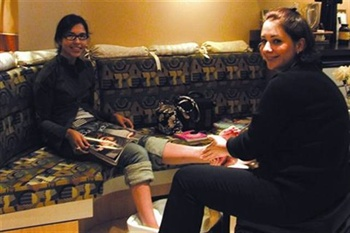 <p>My turn, my turn. Hannah and I both got wonderful pedicures from Salon Cielo's nail tech Kristen Furia.</p>