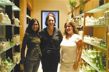 <p>Erin Barajas, nail tech Kristen Furia, and Hannah Lee spent the rainy afternoon inside the comfortable Salon Cielo.</p>
