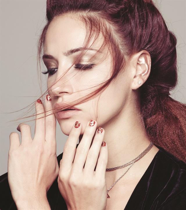 <p>Photography: Roberto Ligresti<br />Hair: Kayla Stewart<br />Makeup: David Maderich<br /> Fashion Styling: Rod Novoa</p>