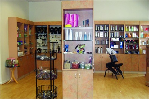 <p>The subdued tones in the retail area at Eclips Salon & Spa in Ashburn, Va., are gender friendly.</p>