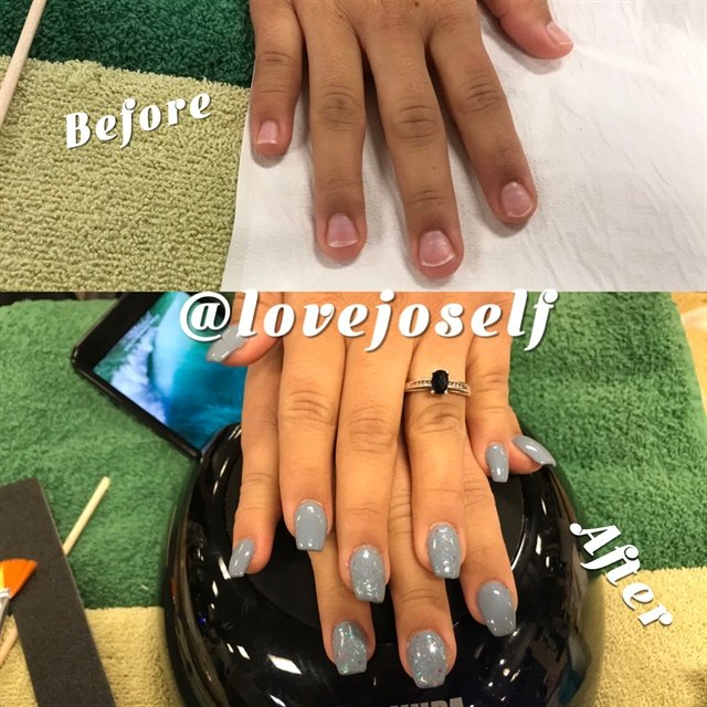 <p>Even though my first client was a no show, I was able to do a sculpted full set with gel-polish and glitter for a classmate.</p>
