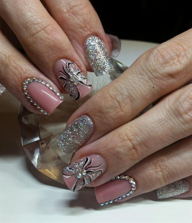 Q Riouser Q Riouser Nail Art: Day 14: Bow & Blush Nail Art