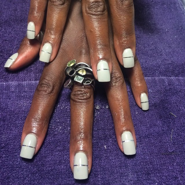 Christmas Nails On Black Hands: Day 23: Linear & Lavender Nail Art