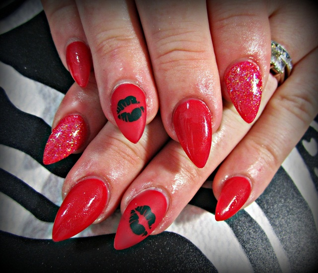 Day 35: Kiss Kiss Nail Art - - NAILS Magazine