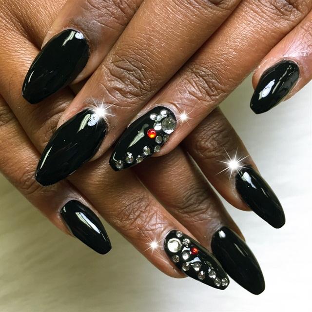 Day 7: Embellished Dark Nail Art - - NAILS Magazine
