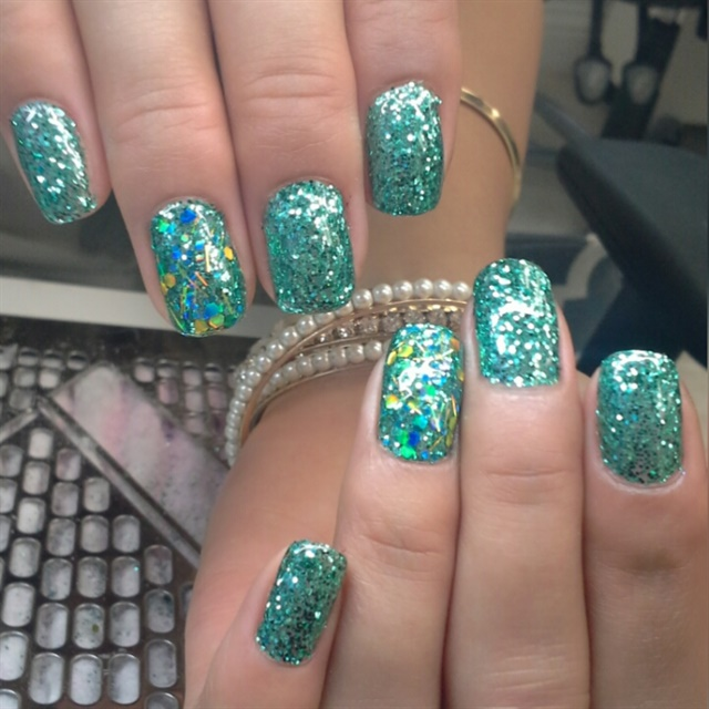 Vanessa Vaca, William Charles Salon, Fair Oaks, Calif. - Day 10: Turquoise Glitter Nail Art - - NAILS Magazine