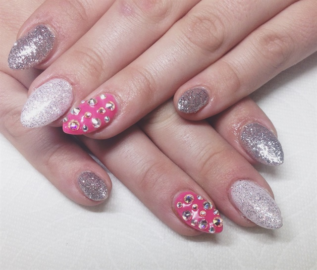Day 13 Spots Sparkles Nail Art Nails Magazine
