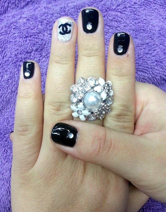 Day 139: Chanel-Inspired Nail Art - - NAILS Magazine