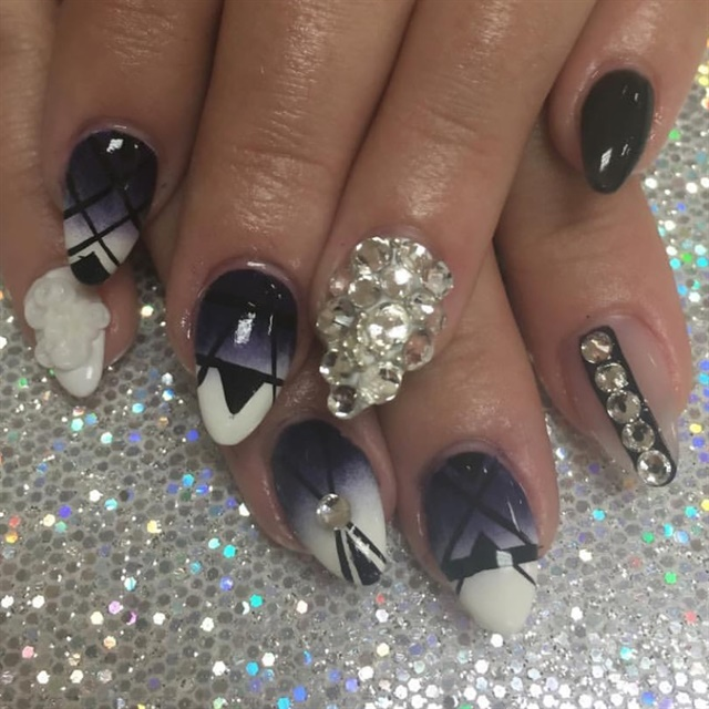 Day 150 tribal crystal nail art nails magazine prinsesfo Image collections