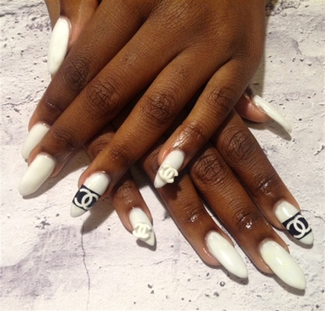 Day 174 white chanel nail art nails magazine prinsesfo Gallery